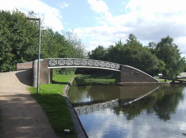 Dudley No 1 Canal - Delph Basin Bridge