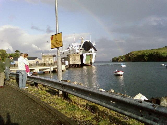 MV Hebrides arriving in Tarbert