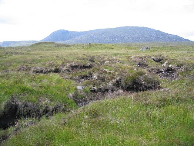 Peat hags with Leum Uilleim beyond.