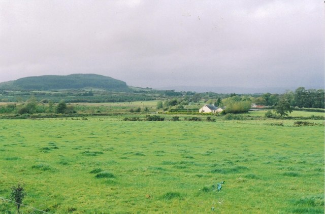 Farmland in the vicinity of the two barrows