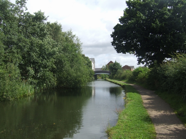 Wyrley & Essington Canal - View to Cooper's Bridge