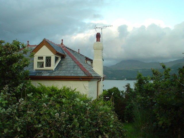 Cottage behind Penralt House (Cader Idris in distance)