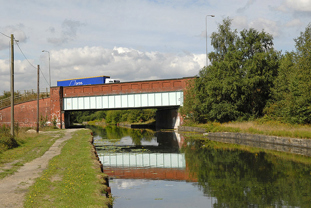 A580 crosses Bridgewater Canal