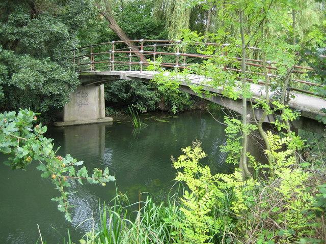 River Mole: Tanner's Bridge