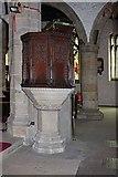 SD5192 : Holy Trinity Church, Kendal, Cumbria - Pulpit by John Salmon