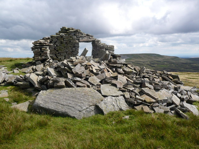 Remains of a building on Mickle Fell