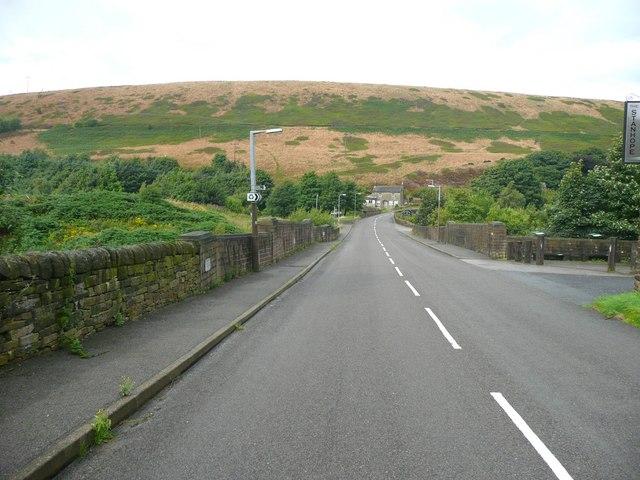 Windle Edge (road), Dunford Bridge