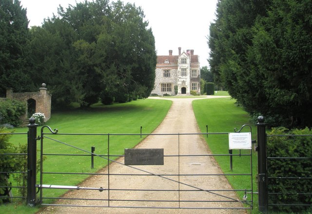 Drive up to Chawton Manor Library