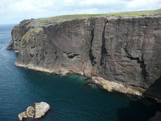 Seacliffs south of North Head