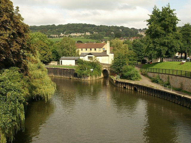 Start of Kennet and Avon Canal