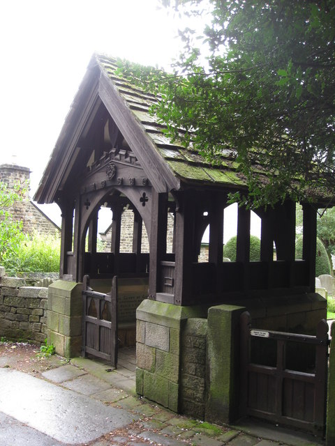 Hathersage - Entrance to St.Michael's Churchyard