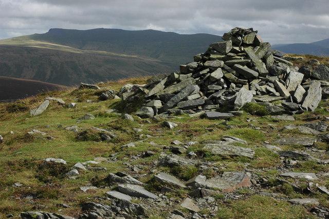 Summit cairn, Bakestall