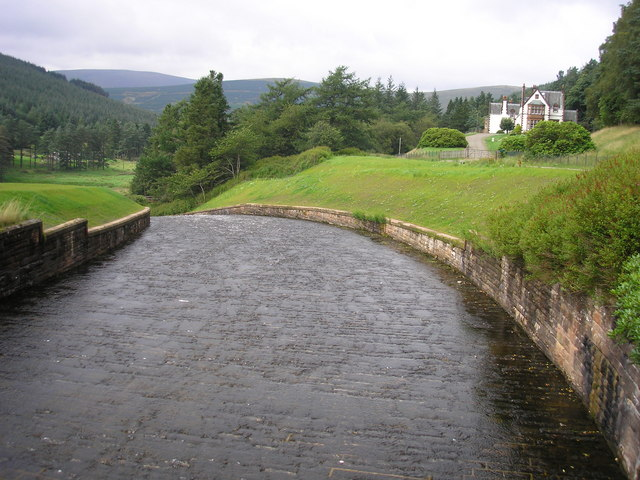 The spillway from the Talla Reservoir