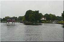 SU9477 : Approaching Boveney Lock by Graham Horn