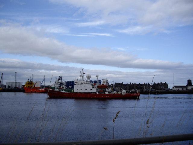 mv Geo Prospector entering Aberdeen Harbour