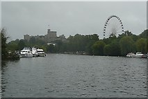SU9677 : Windsor Castle and the wheel by Graham Horn