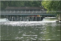 TQ0765 : Shepperton Weir by Graham Horn