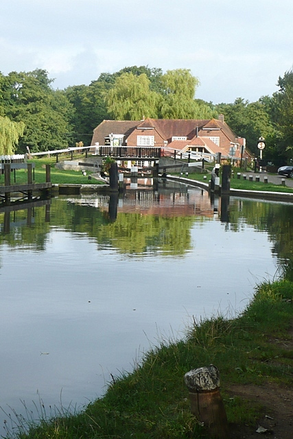 Pyrford Lock and The Anchor
