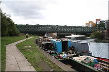 TQ3882 : Railway bridge over the Lee Navigation by Dr Neil Clifton