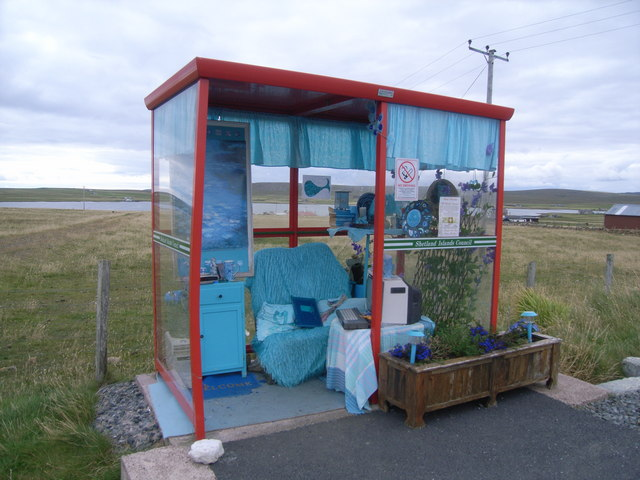 The bus shelter with everything within