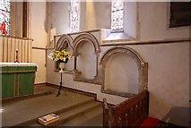 TR3451 : St Martin, Great Mongeham, Kent - Piscina & sedilia by John Salmon