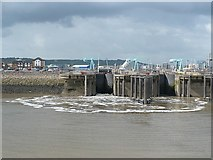 ST1972 : Locks at the Cardiff Bay Barrage by Robin Drayton
