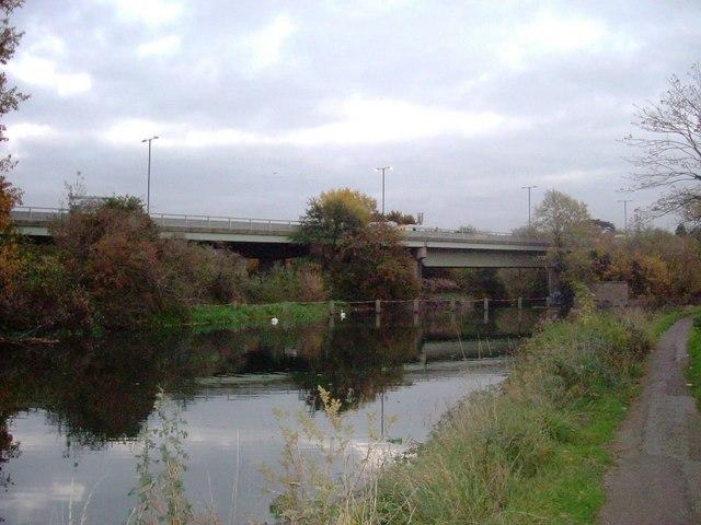 M4 motorway, Brentford by Phillip Perry
