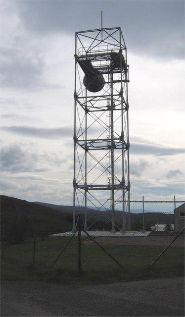 Communications mast just north of Camusteel