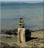 J5282 : Groyne, Ballyholme beach by Rossographer