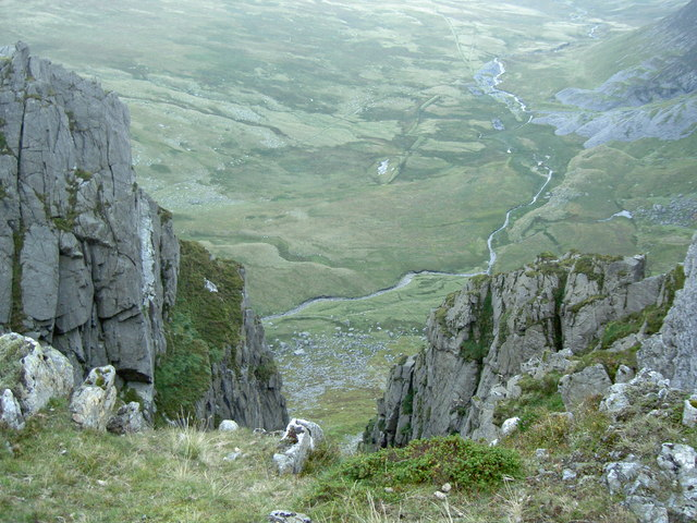Looking down the cliff into Cwm Eigiau
