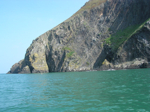 Dinas Head from the sea