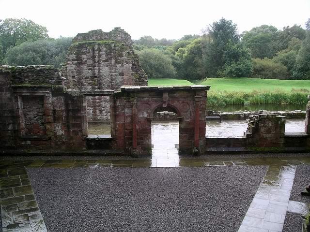 Caerlaverock Castle: the inner court