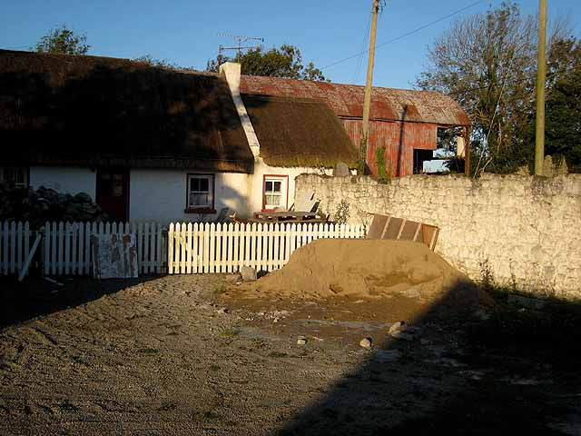 Thatched cottage at Whitestown