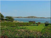 NM2824 : Gardens along the foreshore, Iona by Rich Tea