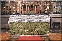 TQ3480 : St Peter's London Docks, Wapping Lane - Nave Altar by John Salmon