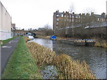 NT2472 : Union Canal at Viewforth, Edinburgh by A-M-Jervis
