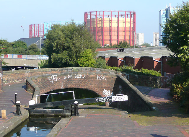 Aston Lock No 14 and Bridge 15, Birmingham and Fazeley Canal