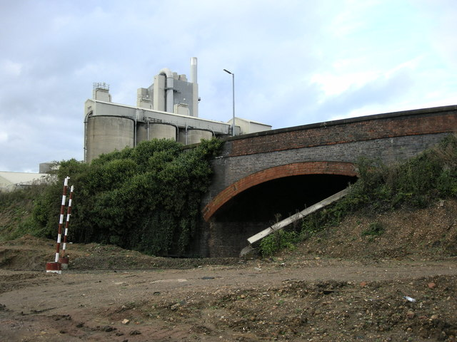 New Bilton-Lawford Road bridge