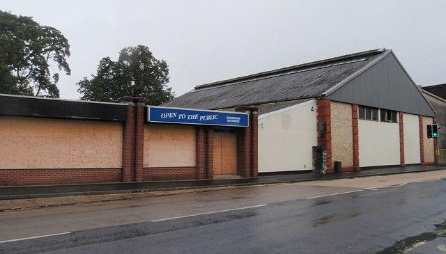 Closed open showroom, Kingsteignton